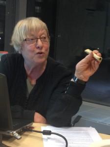 Cajsa S Lund berättar om musikarkeologiska fynd. Foto: Dan Lundberg