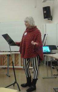 Hanne Juul, föreståndare för Nordiska Visskolan i Kungälv, presenterade pedagogiska perspektiv på att sjunga text. Foto: Kajsa Dahlström.