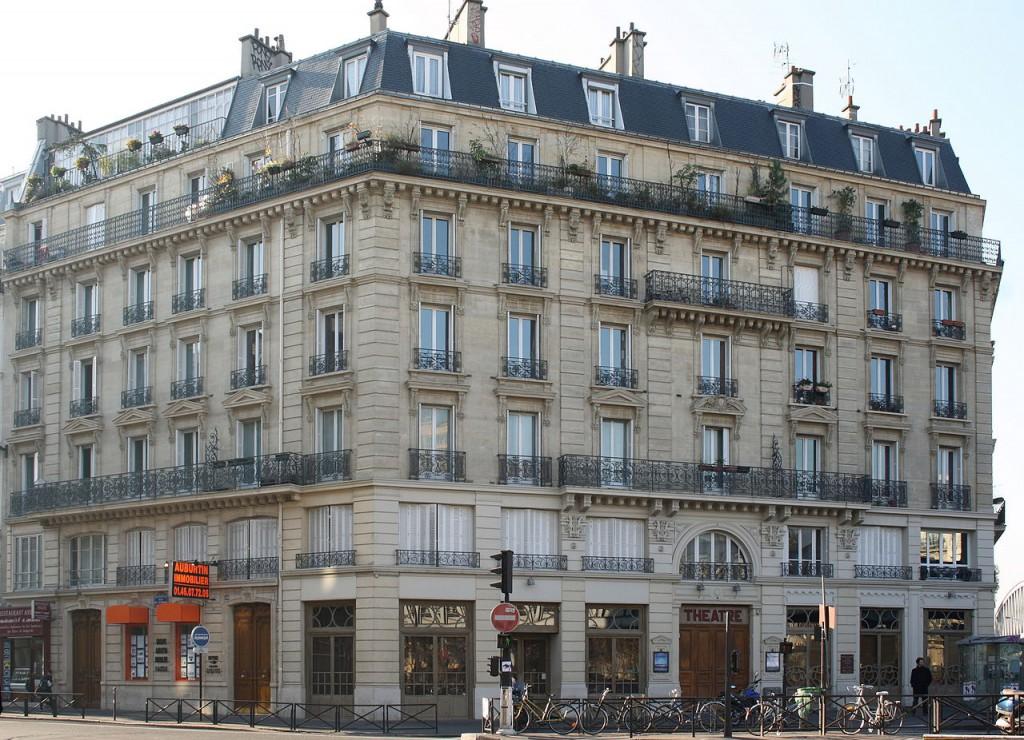 Fasaden till Theâtre des Bouffe du Nord