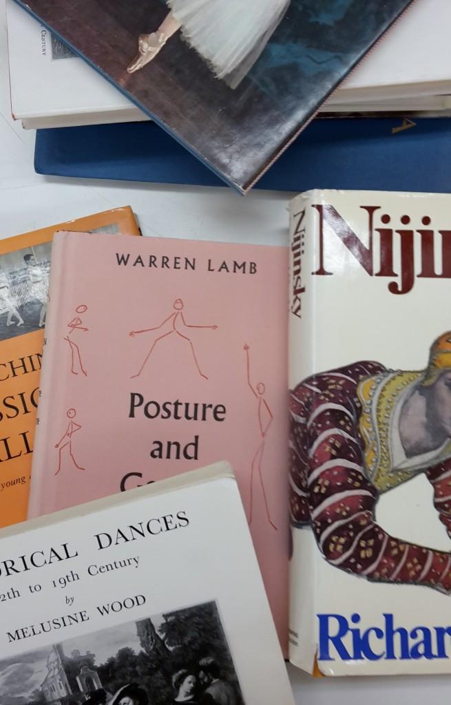 Några av böckerna ur Ellen Raschs bibliotek.