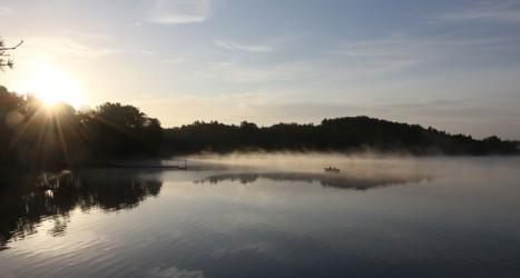 Skymning över sjön. Foto: Kalvfestivalen