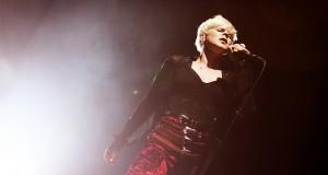 Världsartisten Robyn på scen. Foto: NRK P3/Flickr (CC)