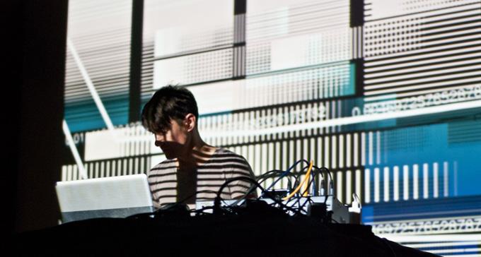 Den tyska elektronikaartisten Byetone gästar Art's Birthday Party 2013. Foto: Giselle Galvao