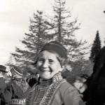 Jojkarna Greta Persson, Maria Persson och Karl Tirén i Arjeplog 1937. Foto: Okänd