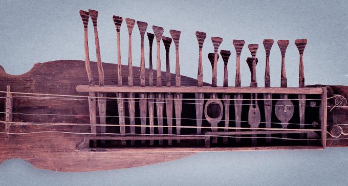 Nyckelharpa från Musik- och teatermuseets samling.