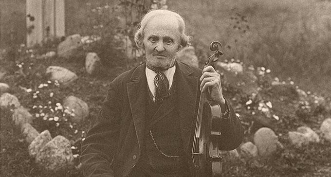 Per Danielsson vid 97 års ålder. Foto från Svenskt visarkiv.