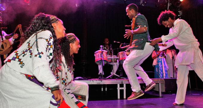 Det etiopiska bandet Ethiocolor live på scenen. Foto: Helene Lundgren