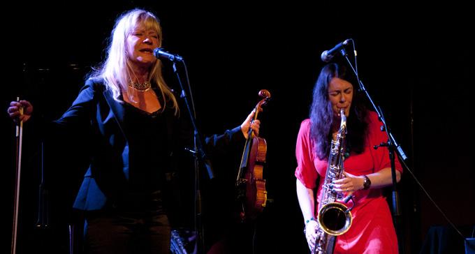 Lena Willemark och Elin Larsson. Foto: Eric Hammarström