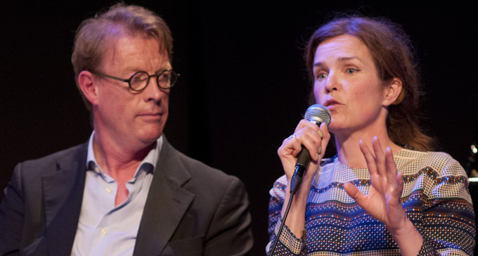 Benny Marcel, Kulturrådet, och Rebecka Törnqvist, artist i samtal på konferensen. Foto: Eric Hammarström