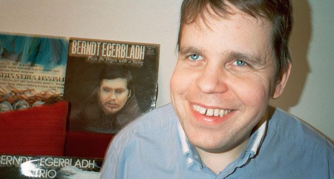 Mats Öberg tolkar musik av Berndt Egerbladh på nya albumet Improvisational two.five som släpps på Caprice Records. Foto: Andreas Ackerup