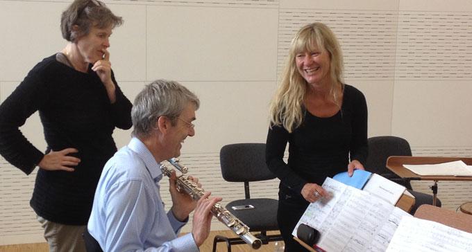 Blodhov. På bilden: från vänster, Karin Rehnqvist, Martin Fahlenbock och Lena Willemark.