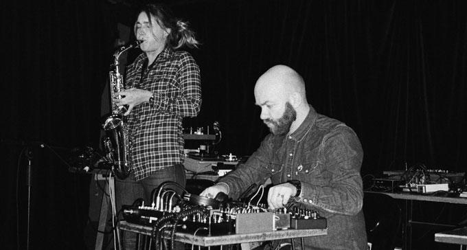 Christine Abdelnour och Joachim Nordwall på Swedish Energies i Paris 2014. Duon uppträder även på festivalen i New York. Foto: Vladimir Besson