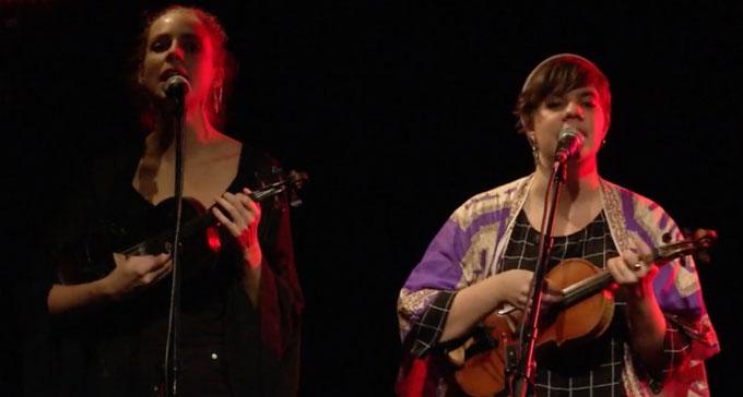 Samantha Ohlanders och Sara Parkman uppträdde på Musikliv i balans.