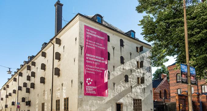 Scenkonstmuseets huvudutställning På scen byggs upp inför öppningen i februari.