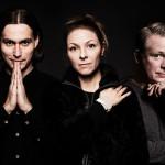 Samir Yosufi, Helena Lopac och Pelle Moeld leder årets upplaga av Art's Birthday Party. Foto: Mattias Ahlm/Sveriges Radio.