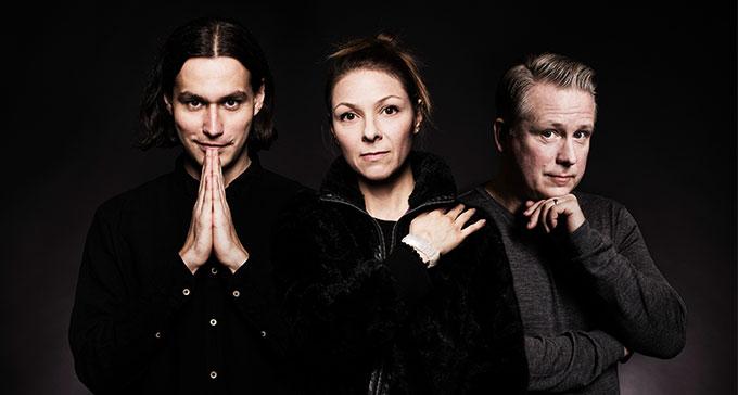 Samir Yosufi, Helena Lopac och Pelle Moeld ledde årets upplaga av Art's Birthday Party. Foto: Mattias Ahlm/Sveriges Radio.